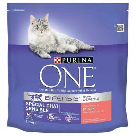 Purina One - Croquettes au Saumon et Riz pour Chat Adulte Sensible - 1,5Kg